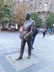 Ronald Reagan was not 7 feet tall